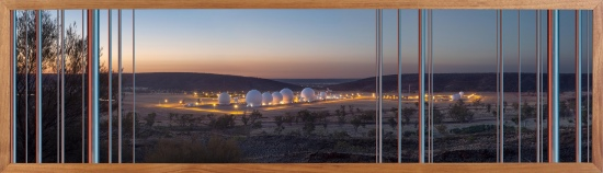 Kristian Laemmle-Ruff, Pine Gap (A photograph of the Centre of Australia), 2015